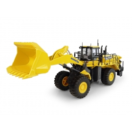 Komatsu WA600-8 Wheel loader Diecast Replica - 1:50 Universal Hobbies